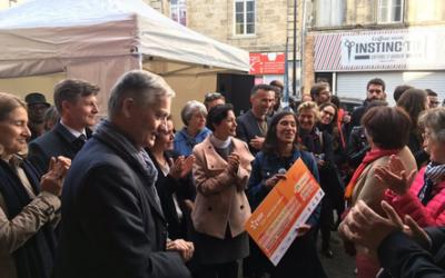 Le FAPE EDF remet un chèque de 25000€ à l'association Remuménage en présence de Nicolas Florian, maire de Bordeaux.